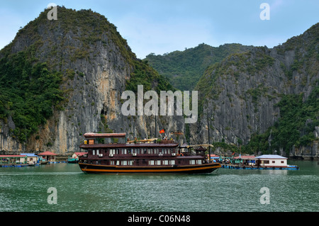 Junk in Halong Bay, Vietnam, Southeast Asia - Stock Photo
