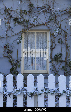 A traditional Irish cottage sash window at Bunratty, Co Clare, Rep of Ireland - Stock Photo