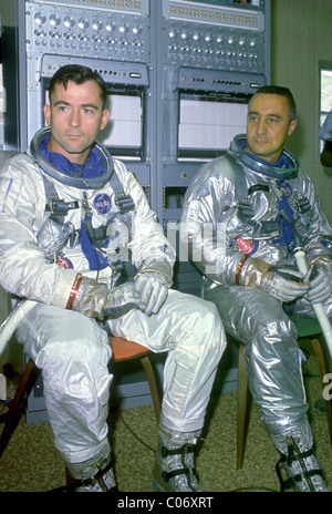 Astronauts John W. Young (left) and Virgil I. 'Gus' Grissom - Stock Photo