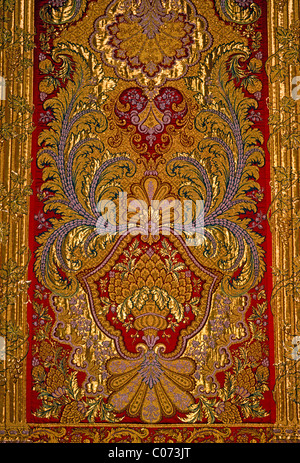 silk brocade, Kings Bedchamber, Palace of Versailles, city of Versailles, Ile-de-France, France - Stock Photo