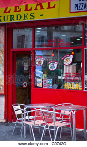 Shop store shopping - HALAL FAST FOOD - Paris France - Stock Photo