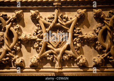Detail on the tomb of the Portuguese national poet Luís Vaz de Camões, monastery church of Santa Maria, Jerome monastery - Stock Photo