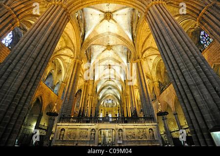 Interior, reticulated vault, ceiling, nave, Gothic cathedral of La Catedral de la Santa Creu i Santa Eulàlia, Barcelona - Stock Photo