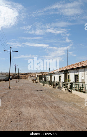 Housing for workers, buildings, road, Humberstone, salpetre works, abandoned salpetre town, ghost town, desert, - Stock Photo
