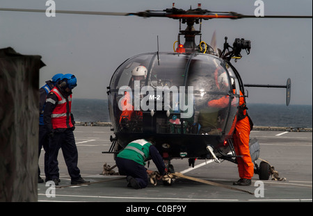 Alouette III of the French Navy on the deck of