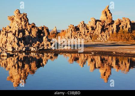 Fabulously beautiful Mono Lake with fantastic reef-Tufa - Stock Photo