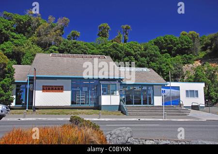 Kaikoura District Library, West End, Kaikoura, Canterbury, South Island, New Zealand - Stock Photo