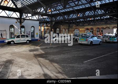 Brighton Station Taxi rank - Stock Photo