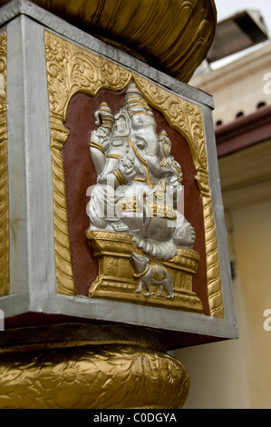 Asia, Singapore (Sanskrit for Lion City). Chinatown area. Oldest Hindu temple in Singapore, Sri Mariamman Temple. - Stock Photo