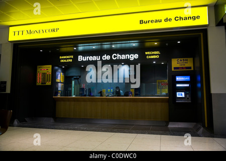 Money corp currency exchange stock photo royalty free image 130261753 alamy - Gatwick airport bureau de change ...