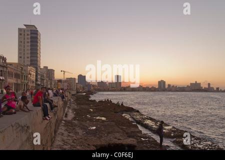 Malecon Promenade at sunset, Havanna Vieja, Cuba - Stock Photo