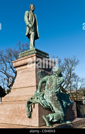 dh  CALTON CEMETERY EDINBURGH Scottish American solders Civil war memorial Abraham Lincolns statue - Stock Photo