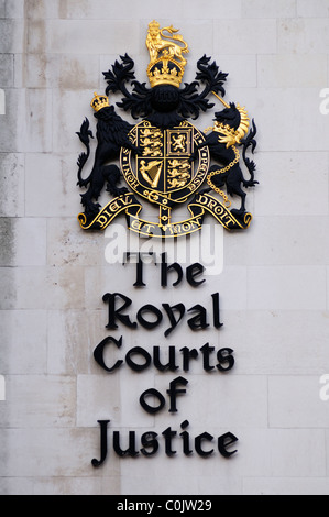 The Royal Courts of Justice Dieu et mon Droit, Coat of Arms, Fleet Street, London, England, UK - Stock Photo