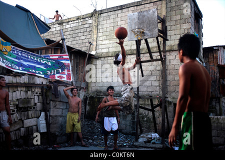 slum areas in the philippines Slums in metro manila about 20 million people live in the slums in the philippines most of these people who end up in slum areas were once.