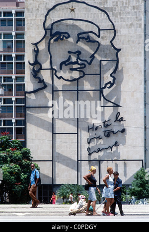 Havana. Cuba. The imposing image of Che Guevara on the facade of the Ministry of the Interior building, Plaza de - Stock Photo