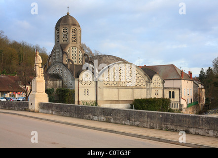 L'église Notre-Dame-de-Bethléem, Clamecy, France. - Stock Photo