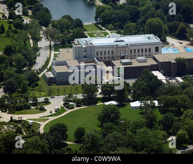 aerial view above Cleveland Art Museum Ohio - Stock Photo