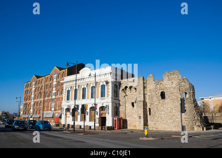 The Watergate ruins on the southern end of the Old Town Wall near Town Quay and High Street, Southampton, Hampshire, - Stock Photo