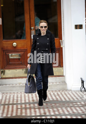 Kylie Minogue leaving her apartment this morning London, England - 10.02.09 LukeMills/ - Stock Photo