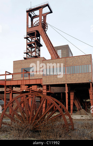 Disused coal mine, shafts 1-2-8, winding tower, Zollverein Coal Mine Industrial Complex, Essen-Stoppenberg, Ruhr - Stock Photo