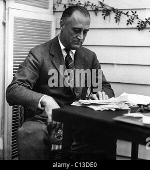 a history of the presidency of franklin delano roosevelt in the united states United states, president, american history - redifining presidency: franklin delano roosevelt.