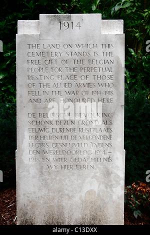 Special Memorial marker in the CWGC Ramparts Cemetery of Ieper (Ypres), Belgium. - Stock Photo