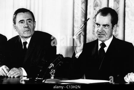 The u s s r foreign minister andrei gromyko right meeting italian 1972 us presidency cold war us president richard nixon flourishes a souvenir pen from platinumwayz