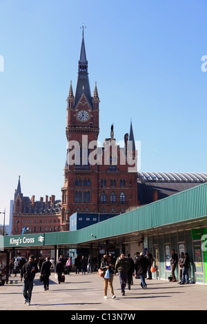 united kingdom london king's cross railway station with st pancras behind - Stock Photo