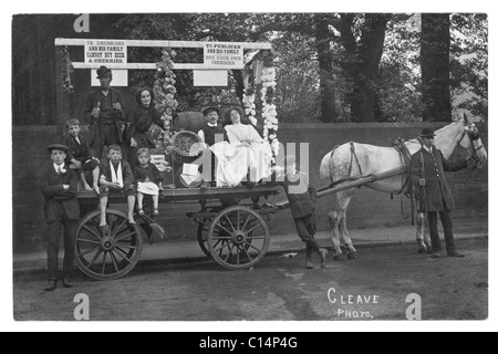 Temperance Society campaigners on a cart with signs and dressed to show the perils of drink in the UK - early 1900's - Stock Photo