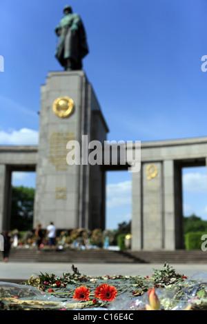Soviet War Memorial on 17. June in Berlin, Germany, Europe - Stock Photo