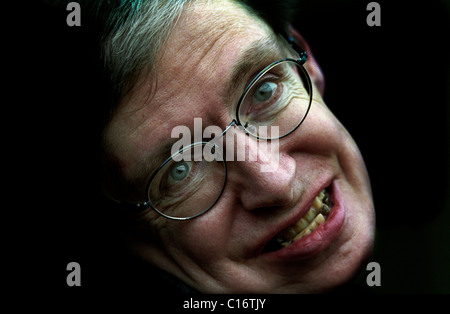 COPYRIGHT OWNED PHOTOGRAPH BY BRIAN HARRIS - 11/1/02 Prof. Stephen Hawking in Cambridge,England. 60th BIRTHDAY CELEBRATIONS - Stock Photo