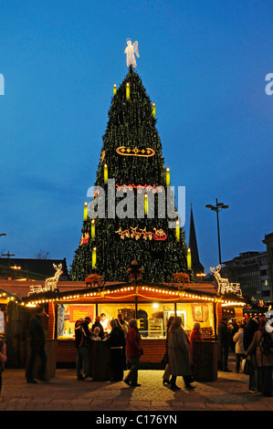 Market stall, christmas tree, christmas market, Dortmund, North Rhine-Westphalia, Germany, Europe - Stock Photo