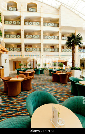 Interior decor of the al ain rotana resort hotel in al ain for Al saffar interior decoration l l c