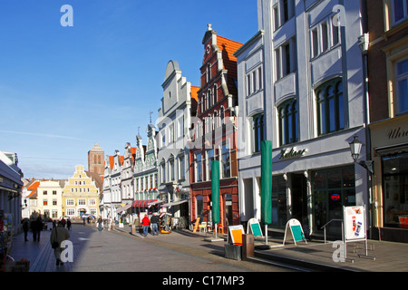 Historic town houses, Kraemerstrasse in the Old Town of Wismar, UNESCO World Heritage Site, Mecklenburg-Western - Stock Photo