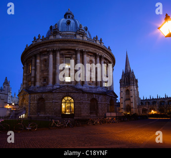 Radcliffe Camera and Church of St Mary the Virgin, evening light, Oxford University, Oxford, Oxfordshire, England, - Stock Photo