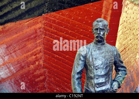 Roald Amundsen bronze statue in front of polar expedition vessel, Fram, Frammuseet Museum, Bygdoy, Oslo, Norway, - Stock Photo