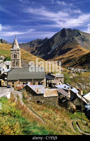 France, Hautes Alpes, village of Les Terrasses in the Oisans valley (close to the village of La Grave) - Stock Photo