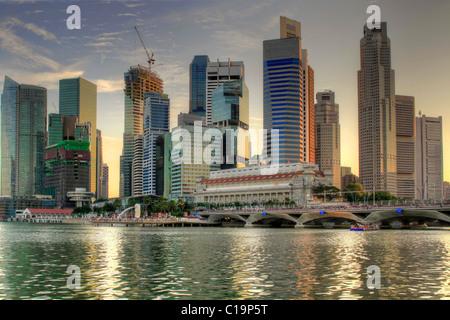 Merlion Park in Singapore from the Marina Bay Esplanade - Stock Photo