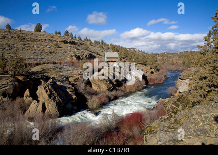 An old power station on the Deschutes River near Clines Falls, Oregon - Stock Photo