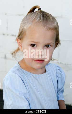 Amish little girl in Lancaster, Pennsylvania, USA - Stock Photo