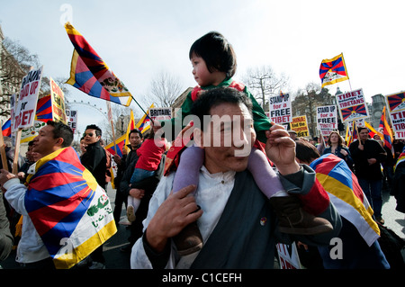 Tibetan annual march asking for freedom from Chinese occupation, Central London 2011 - Stock Photo