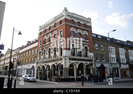 General View The Hope and Anchor Pub Highbury and Islington London, England - 20.04.09 - Stock Photo