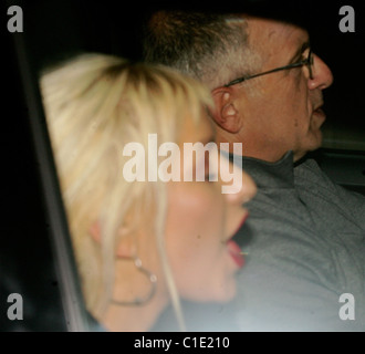Christina Aguilera is having a bad hair and make-up day as she leaves Stock Photo: 35344316 - Alamy