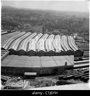 London, 1950s. Aerial view of the train sheds or housings and surrounding area, St Pancras train station. - Stock Photo