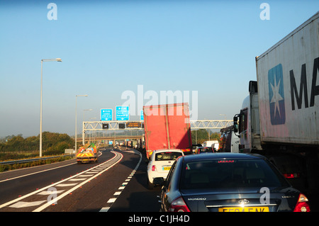 Traffic on M25 - Junction 27 M25 - M11 turn-off - Stock Photo