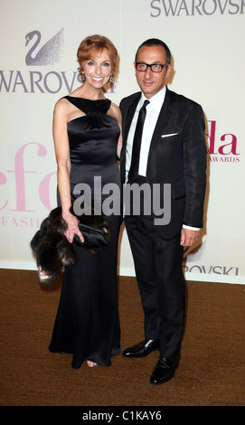 Gilles Mendel and Susan Sokol at the 2009 CFDA Fashion Awards at Alice Tully Hall, Lincoln CenterNew York City, - Stock Photo