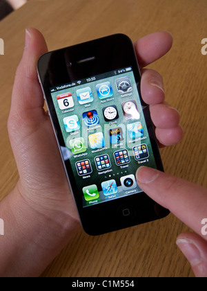 how to close apps on iphone c
