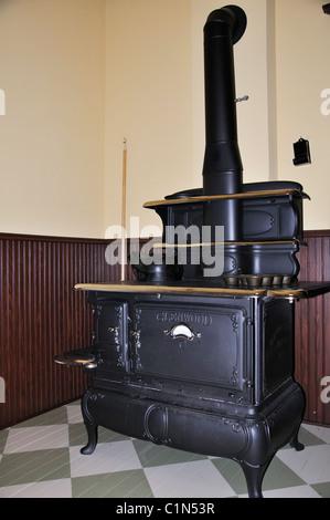 Old stove on display at Natural History Museum, Amarillo, Texas, USA - Stock Photo