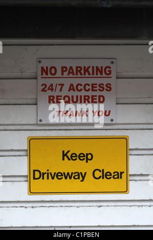 Garage Keep Clear Sign On Garage Door Uk Stock Photo 29184658 Alamy