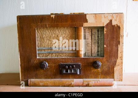 Republic of Ireland, County Sligo, Sligo folk Park, old radio - Stock Photo